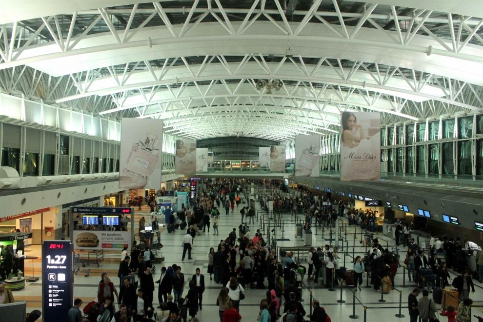la-afip-flexibiliz-el-control-aduanero-para-los-argentinos-que-regresan-del-exterior-2017-02-09
