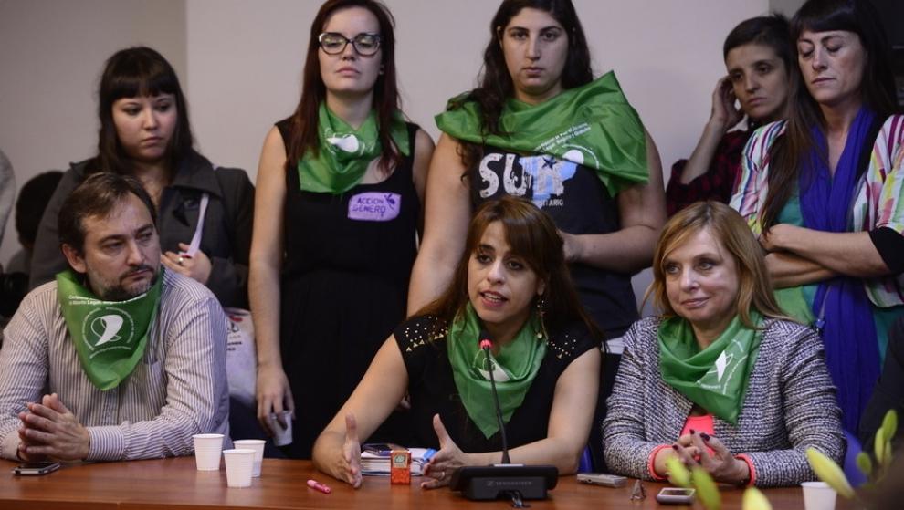 las-promotoras-de-la-ley-de-aborto-aceptan-bajar-la-sesin-especial-del-8-de-marzo-2018-02-27