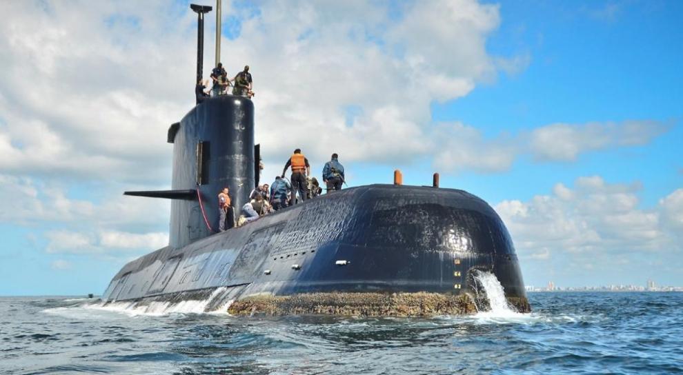 macri-visit-a-los-familiares-de-los-44-tripulantes-del-submarino-ara-san-juan-2017-11-20