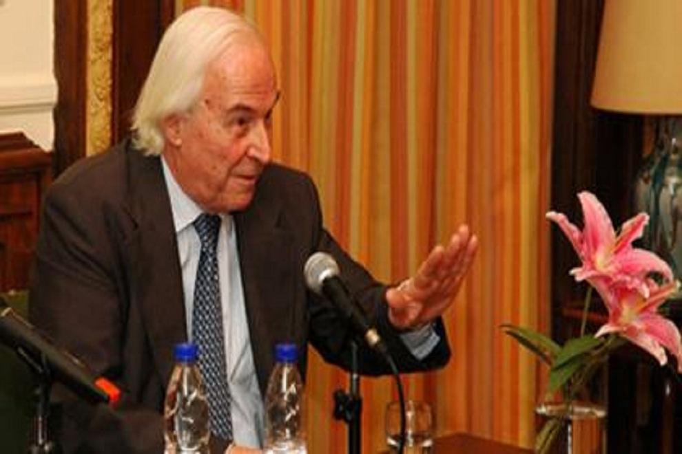 natalio-etchegaray-a-macri-como-presidente-electo-le-corresponde-decidir-donde-se-realiza-el-traspaso-de-mando-2015-12-08