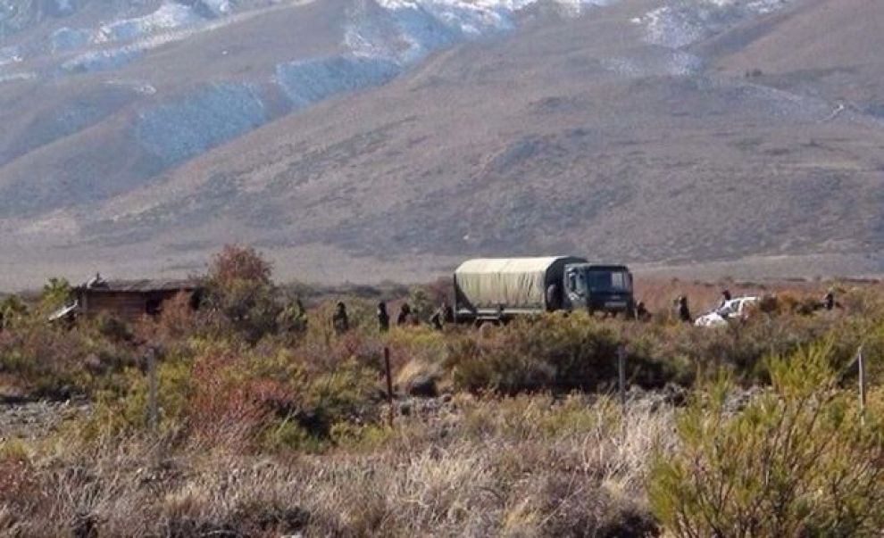 realizan-un-operativo-de-bsqueda-en-un-predio-de-la-comunidad-mapuche-en-cushamen-2017-09-18