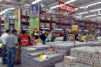 super-vs-mayoristas-donde-conviene-comprar--2015-06-15